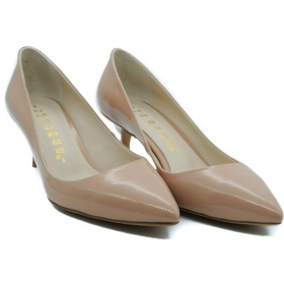 Comfortable and Stylish Mid Heel Court Shoes for Todays Fashion Conscious