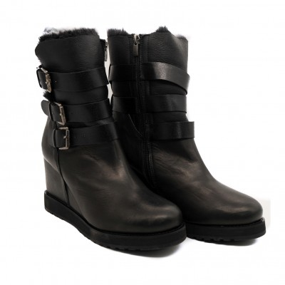 Pegia Buckled Leather Boots with Genuine Woolmarked Sheepskin Lining for Style and Comfort - Black